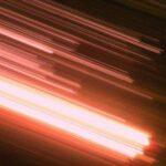 Cientistas descobrem partículas mais rápidas que a luz