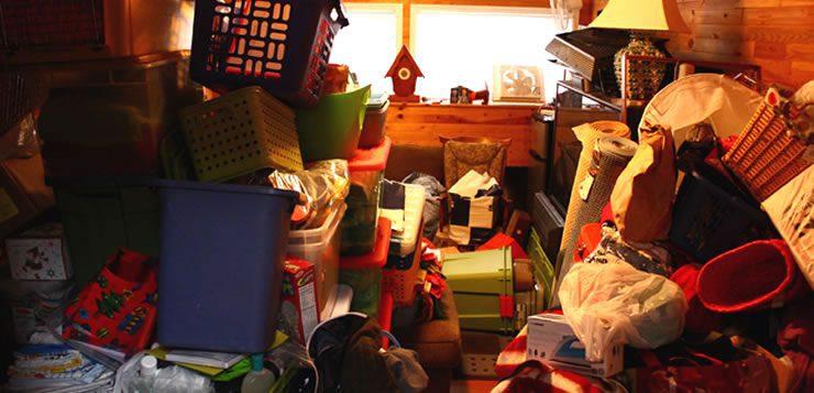 Algumas pessoas tem mania de acumular objetos, roupas, brinquedos, animais e até lixo