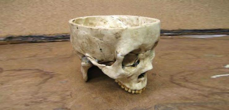Na casa de Gein foram foi encontrada uma tigela de sopa feita com um crânio humano