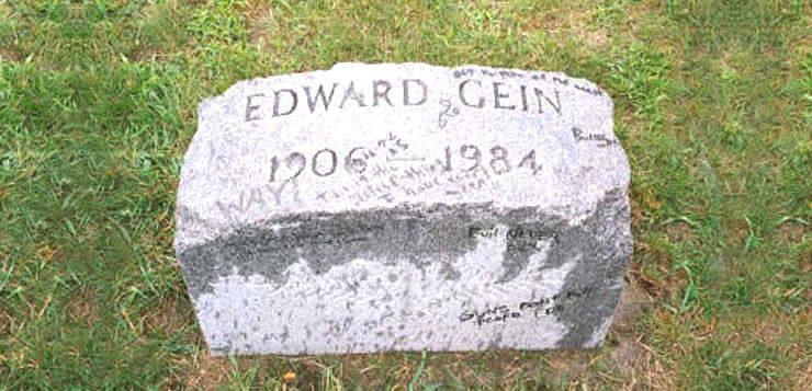 Lápide do túmulo de Eward Gein já foi roubada diversas vezes