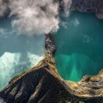 Vulcão Kelimutu e os lagos que mudam de cor