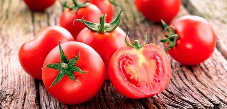 O tomate é um alimento originário das Américas Centrais e do Sul e que se espalhou pelo mundo