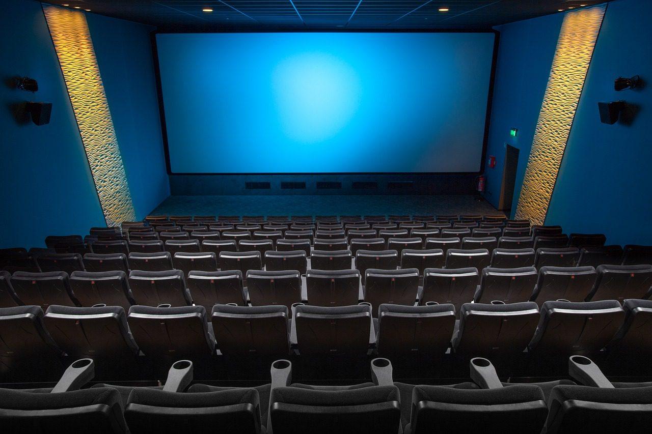 Qual é o melhor lugar para sentar quando vou ao cinema?
