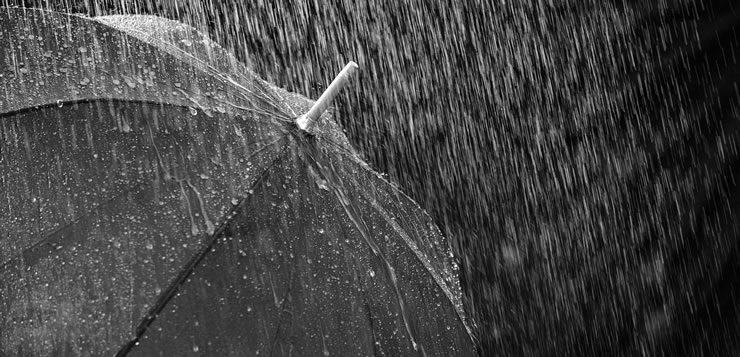 Como sair de casa em dias chuvosos sem essa invenção?