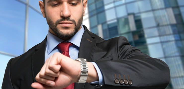 Para muitos, ver as horas no relógio de pulso continua sendo indispensável